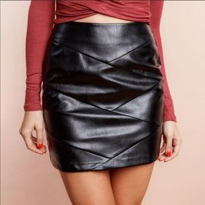 Minkpink Faux Leather Baddie Skirt L NWT